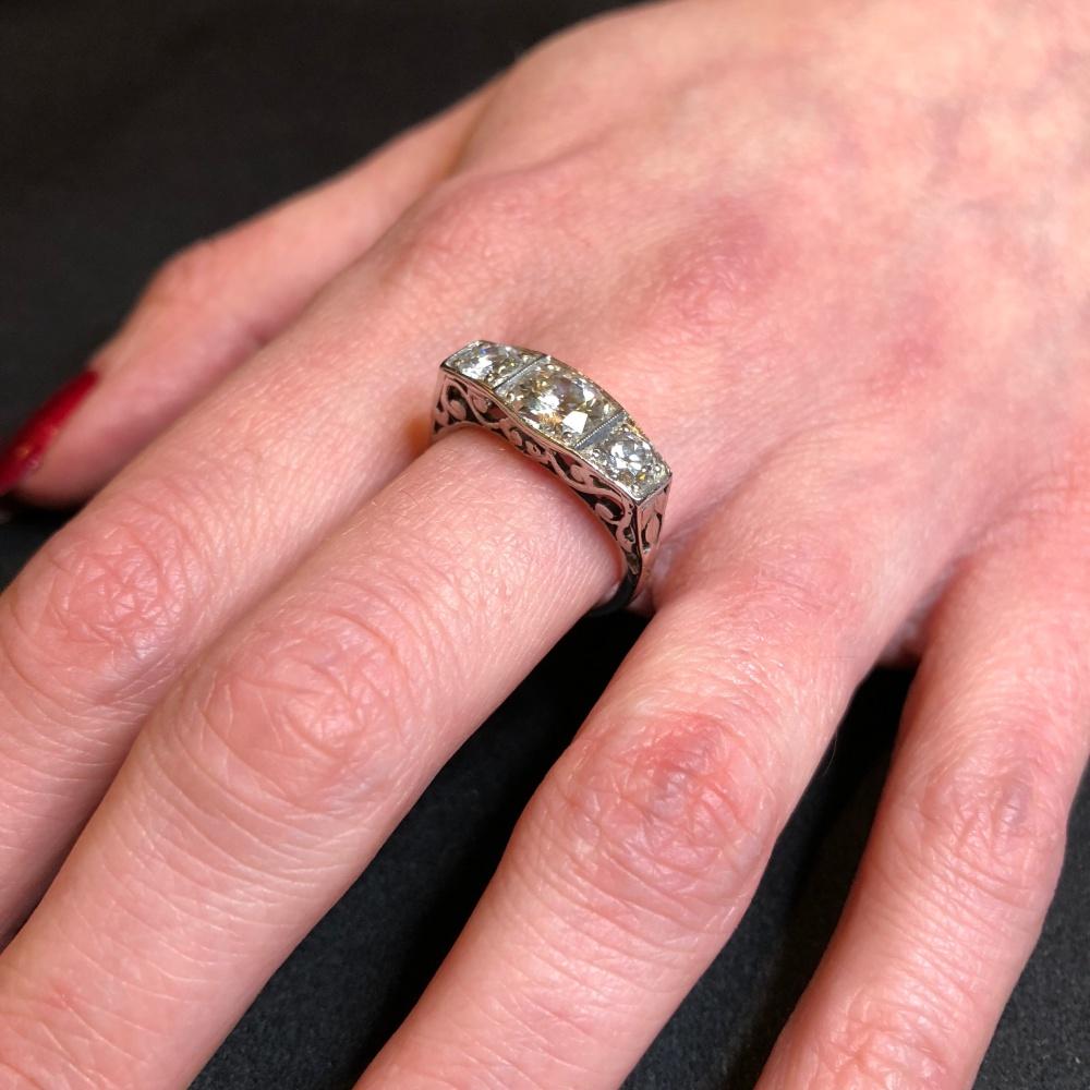 Art Deco Diamond and Platinum Trilogy Ring - Plaza Jewellery