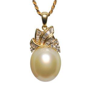 Chow Tai Fook South Sea Pearl Diamond Gold Pendant