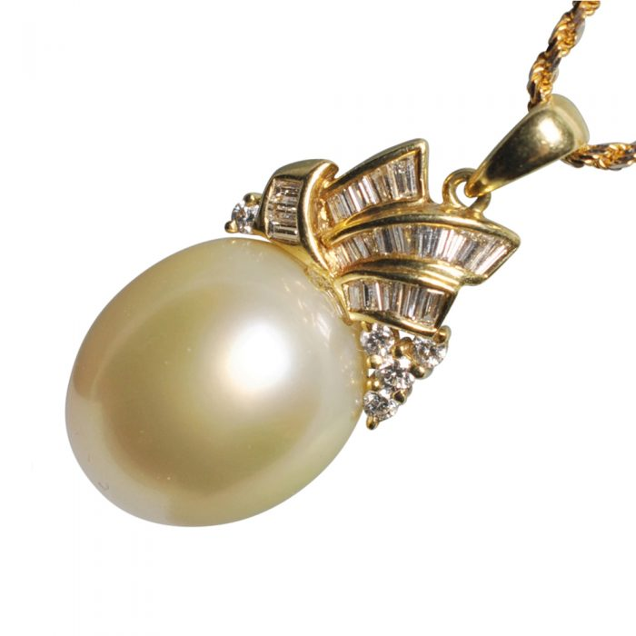 Chow Tai Fook South Sea Pearl Diamond Gold Pendant
