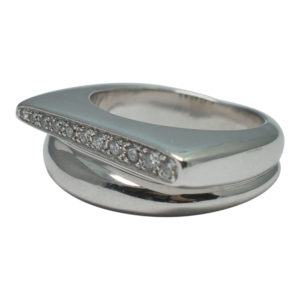 Fred Paris Diamond Gold Ring