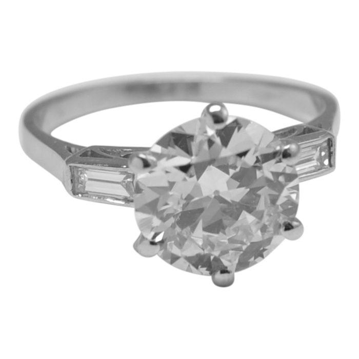 Art Deco Diamond Solitaire Platinum Ring