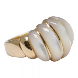 14ct Gold Mother of Pearl Bombé Ring