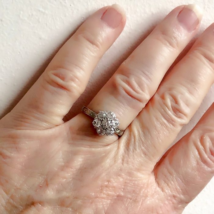 Diamond Cluster 18ct Gold Engagement Ring