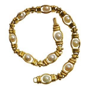 Mid Century 18ct Gold Pearl Bracelet