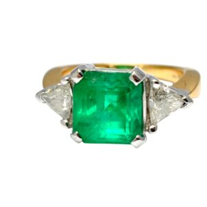 Columbian Emerald Diamond Gold Ring