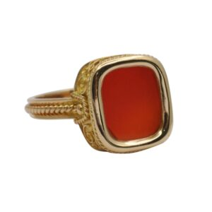 Gentlemans Vintage Cornelian Gold Signet Ring