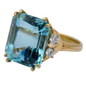 Aquamarine Diamond 18ct Gold Ring